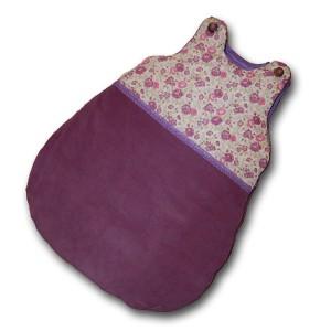 turbulette molletonnée violette en deux parties,le haut est en liberty, le bas est en velours.